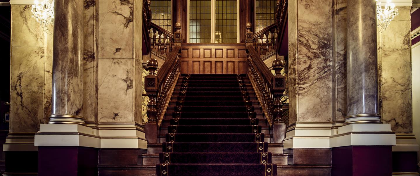Rossington Hall Staircase_destination hero image